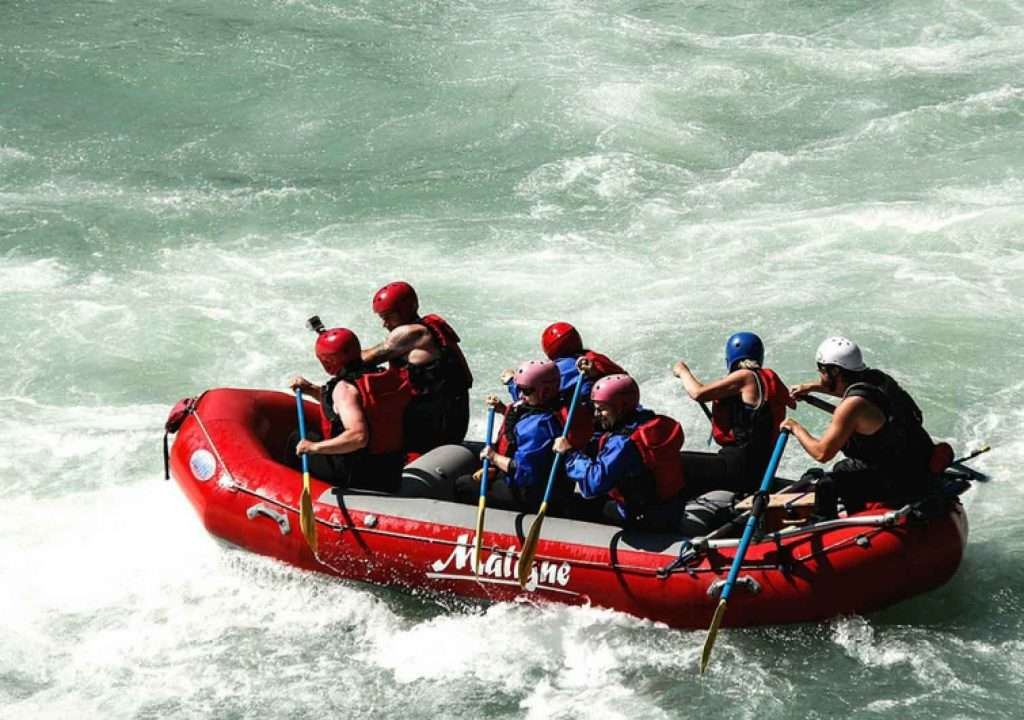 A group of white water rafters